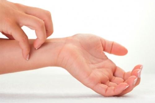 Причины герпеса на руках